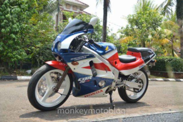 Honda CBR250RR-13