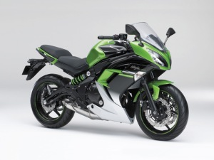 1419648141Kawasaki-Ninja-400-2015-1