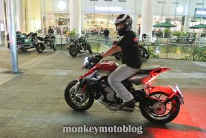 test ride rivale 800-10