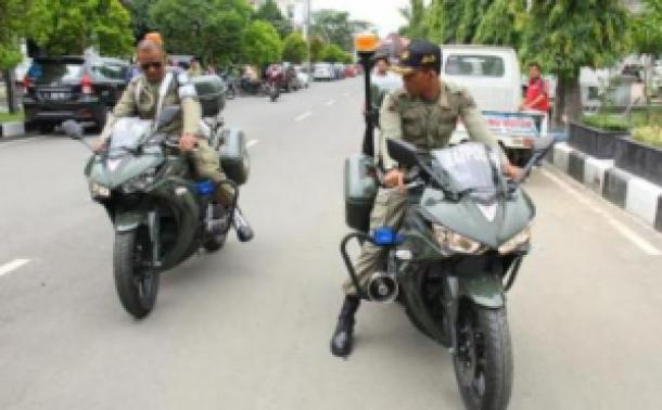 satpol-pp-kota-tegal-gunakan-yamaha-r25-untuk-kawal-walikota-1