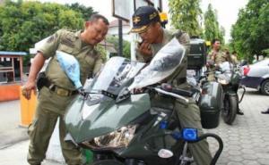 satpol-pp-kota-tegal-gunakan-yamaha-r25-untuk-kawal-walikota-3